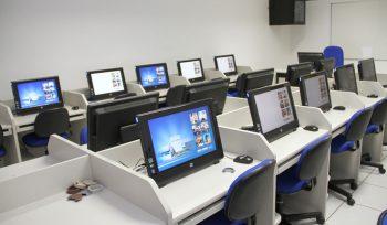 95% por cento das escolas de ensino médio têm acesso à internet, mas apenas 44% têm laboratório de ciências
